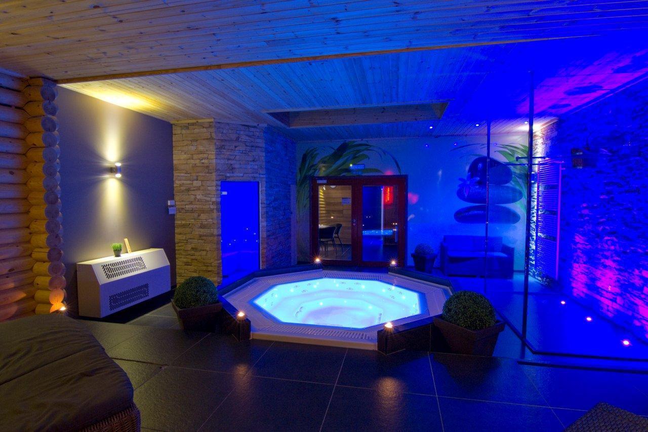 Wellness arrangement in brecht prive sauna borabora for Sauna waalwijk